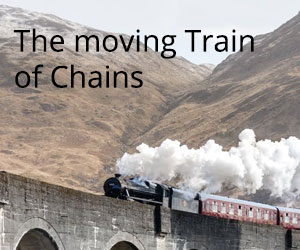 The-moving-Train-of-Chains